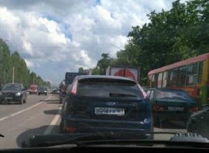 Левый берег Воронежа встал в многокилометровых пробках