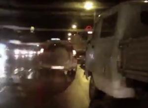 Беспредельщик на УАЗе, сбивающий с дороги в Воронеже автомобиль, попал на видео