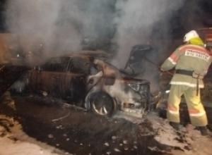 Дорогой Mercedes взорвался ночью в Воронежской области