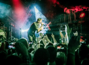 Солист группы «Lumen» рассказал о проблеме ядерного оружия на концерте в Воронеже