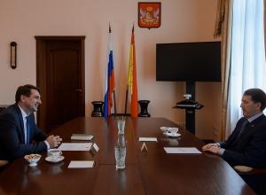 Андрей Марков поведал губернатору Гордееву о политическом благолепии на юге региона