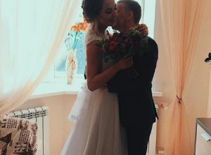 Яркий танец высокой невесты со своим супругом в Воронеже произвел восторг среди пользователей Сети