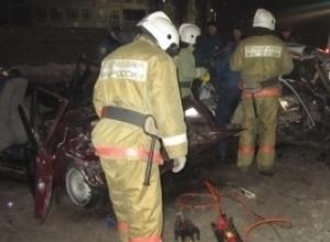 В страшном ДТП под Воронежем 11-летняя девочка погибла на глазах у раненой матери
