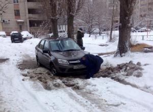 Воронежские автомобилисты умоляют губернатора Гусева почистить дворы