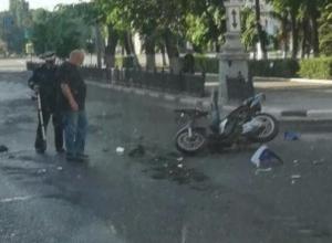 Жесткие последствия ДТП со скутером и Audi сняли в Воронеже