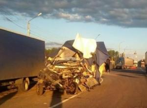 Страшный кадр аварии с погибшими, по вине автомобилиста из Воронежа, опубликовали в Сети