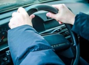 В Воронежской области молодой человек угнал машину знакомого, чтобы покататься по селу