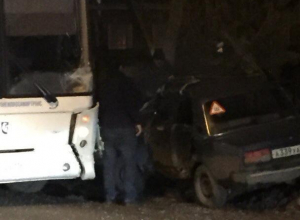 В Воронеже жуткие последствия лобового ДТП с автобусом попали на видео