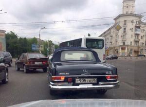 Автомобилистов восхитил шикарный Mercedes за 12 миллионов рублей на дорогах Воронежа