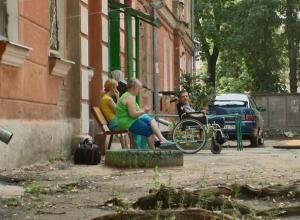 Из-за разрушенной дороги инвалид-колясочник стал заложником обрушившихся стен воронежского общежития