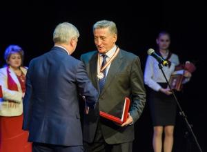 Сенатор Лукин удостоился почётного знака имени первого воронежского воеводы