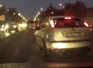 Нарушитель устроил разборки на дороге в Воронеже и попал на видео