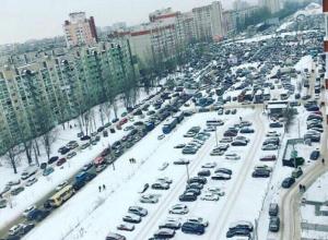 Сильнейший дорожный коллапс в Северном районе Воронежа образовали участники лотереи