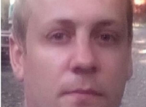 29-летнего мужчину с черной сумкой разыскивают в Воронеже