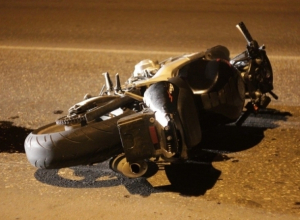 Воронеже госпитализировали байкера и его пассажира после падения с мотоцикла