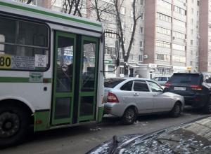 В Воронеже одна маршрутка второй раз за день попала в ДТП