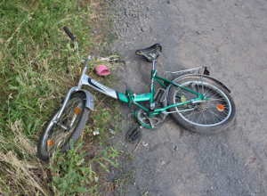 9-летняя девочка попала под колеса ВАЗа в Воронежской области