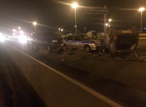 Внедорожник УАЗ въехал в машину ГИБДД и сбил троих полицейских под Воронежем