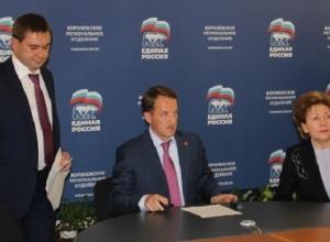 Губернатор Гордеев в 2016 году официально не принял ни Макина, ни Увайдова