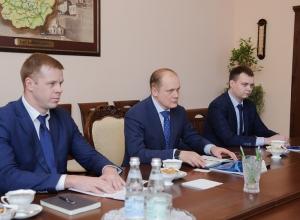 Управляющий воронежского «Газпромбанка» отчитался о том, как финансирует «друзей» Гордеева