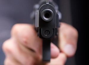 Водитель Toyota угрожал пистолетом маршрутчику в центре Воронежа