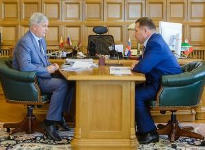 Александр Гусев доверяет префекту Ельчанинову на безрыбье