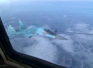 В небе над Воронежем бомбардировщики и истребители произвели дозаправку