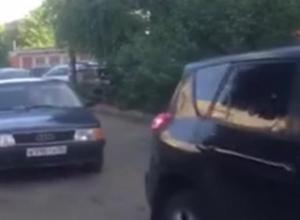 Сквозной проезд развязал войну пешеходов и водителей в Воронеже