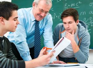 В воронежский техникум принимали на работу преподавателей без справки об отсутствии судимости