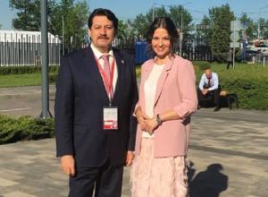 Воронежская «Золушка» похвасталась знакомством с толстосумом Юрченко