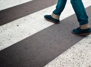 Под Воронежем детей по пути между школьными корпусами могли раскатать автомобили