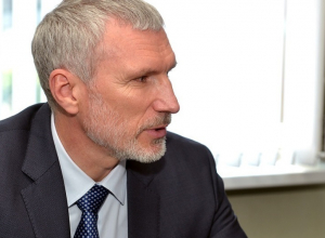 Депутат Госдумы призвал воронежских единороссов экономить на Трубникове, а не на выборах мэра