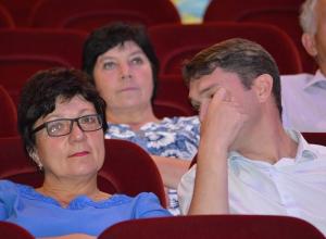 «Пьяный ездок» Пивнёв прятался от прессы на встрече с воронежскими кандидатами в губернаторы