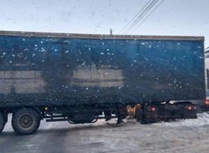 Воронежцы предложили сказать «спасибо» коммунальщикам за  развернутую поперек дороги фуру
