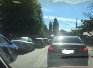Огромная пробка образовалась от улицы 9 Января до Кольцовской в Воронеже
