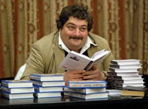 В декабре в Воронеж приедет известный российский писатель и публицист Дмитрий Быков