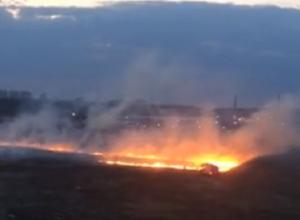 Огромный пожар у магазина Metro в Воронеже попал на видео