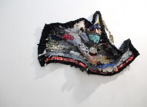 В Воронеже открылась выставка работ из джинс и шелка