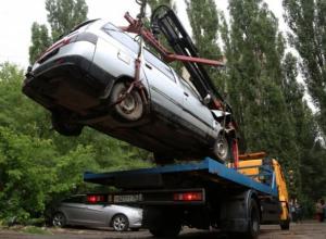 Бесхозные автомобили в Воронеже принудительно будут забирать на стоянку