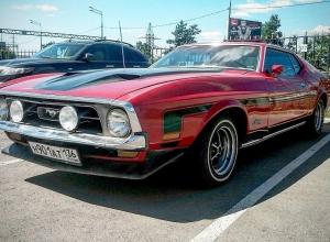 Культовый Ford Mustang 1972 года сфотографировали в Воронеже
