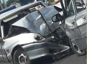 Страшные последствия аварии у Семилук под Воронежем попали на видео
