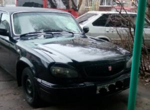 Воронежцы пожаловались на «паркомэна», который подкладывает записочки водителям