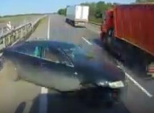 «Обочечник» на «Ауди» устроил массовую аварию в Воронежской области и попал на видео