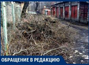 Из нашего двора коммунальщики сделали мусорку! – воронежцы с проспекта Труда