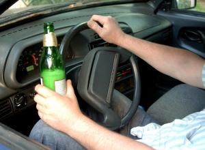 В Воронежской области пьяные мужчины отвезли приятеля до дома, после чего уехали кататься на его автомобиле