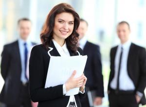 Инфографика: Где топ-менеджерам проще найти работу в Воронеже