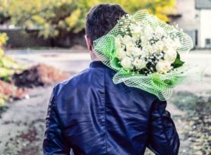19-летний парень избил продавца цветов в Воронеже, чтобы подарить девушке розы