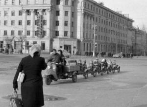 Паровозик на площади Ленина вызвал у воронежцев слезы ностальгии