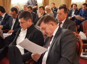 В Воронеже еще один инициатор отмены выборов мэра Гребенкин рубил по 121 тыс в месяц