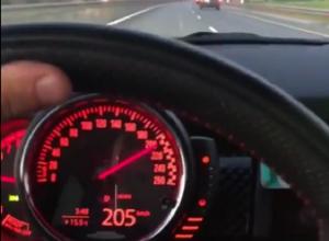 Адскую езду за 200 снял за рулем Mini водитель в Воронеже